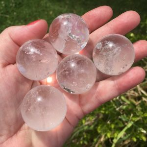 clear quartz spheres in small size
